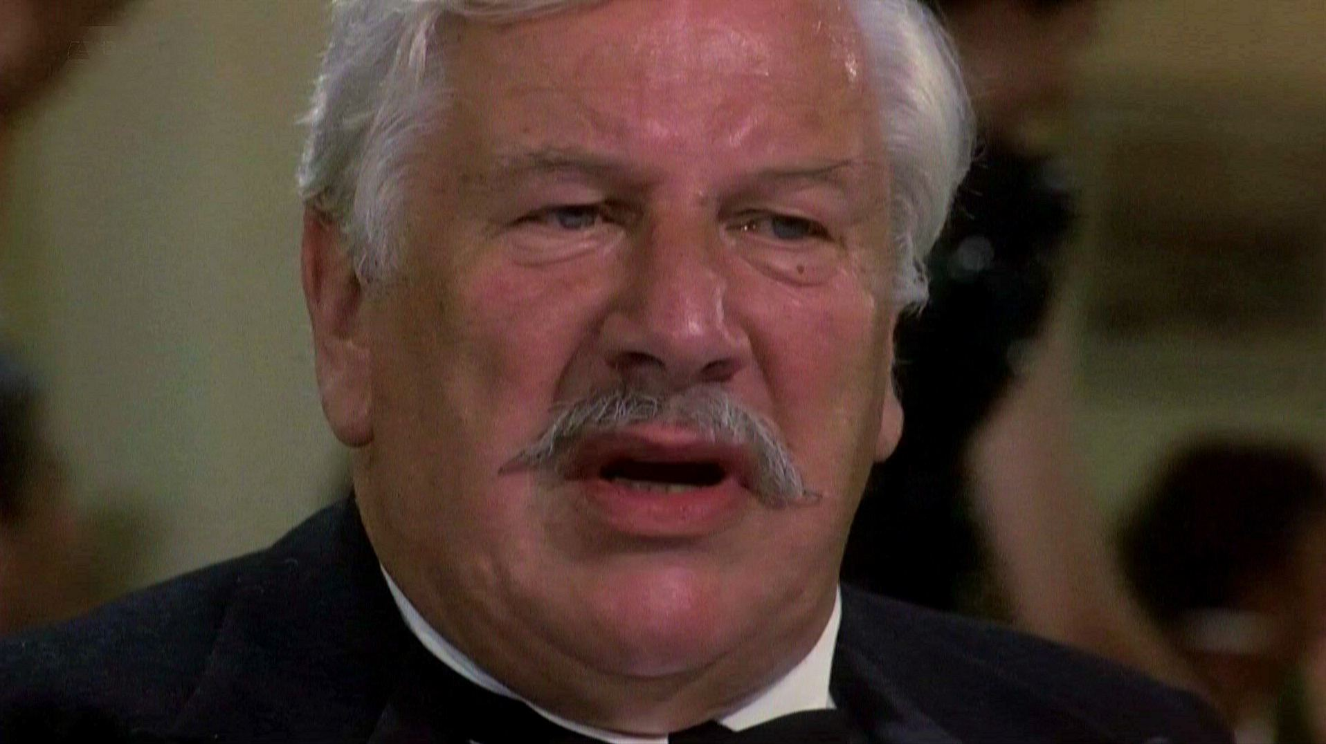 Screenshot from Appointment with Death (1988) (10) featuring Peter Ustinov