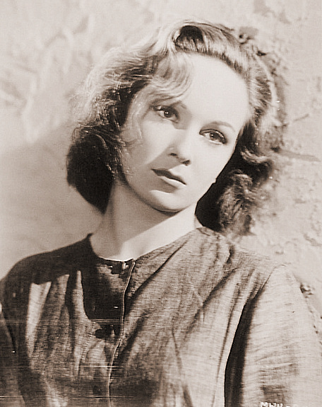 Joan Greenwood (as Lottie Smith) in an American photograph from Bad Sister [The White Unicorn] (1947) (1)