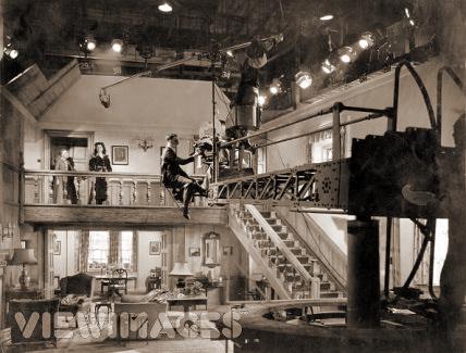 Behind the scenes shot of Margaret Lockwood in Bedelia
