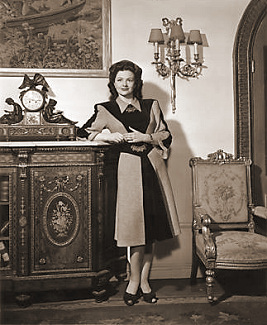 Margaret Lockwood (as Bedelia Carrington) in a photograph from Bedelia (1946) (26)