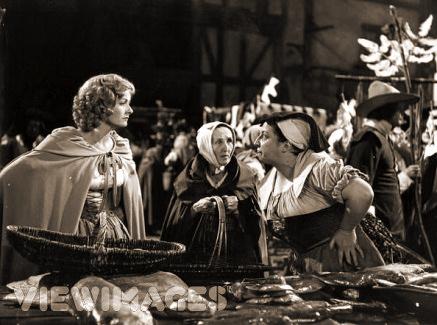 Photograph from Cardboard Cavalier (1949) (17)