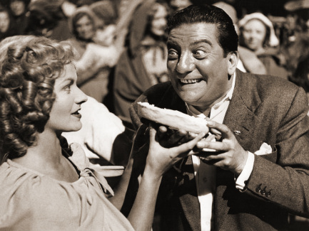 Margaret Lockwood (as Nell Gwynne) and Sid Field (as Sidcup Buttermeadow) in a photograph from Cardboard Cavalier (1949) (23)