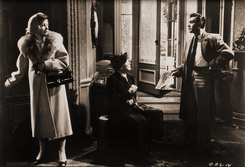 Margaret Lockwood (as Freda Jeffries), Kathleen Harrison (as Emmie) and Dirk Bogarde (as Edward Bare) in a photograph from Cast a Dark Shadow (1955) (22)
