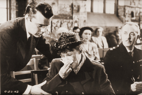 Dirk Bogarde (as Edward Bare) and Kathleen Harrison (as Emmie) in a photograph from Cast a Dark Shadow (1955) (28)