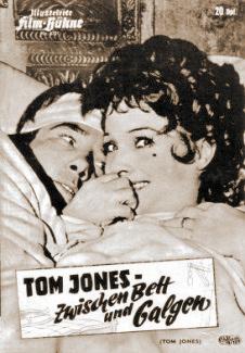 Illustrierte Film Bühne magazine with Albert Finney and  Diane Cilento in Tom Jones.  (German).  Tom Jones – Zwischen Bett und Galgen.