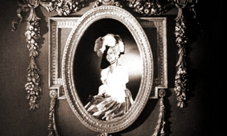 Glennis Lorimer as the famous Gainsborough Lady, in the main title for Gainsborough Pictures