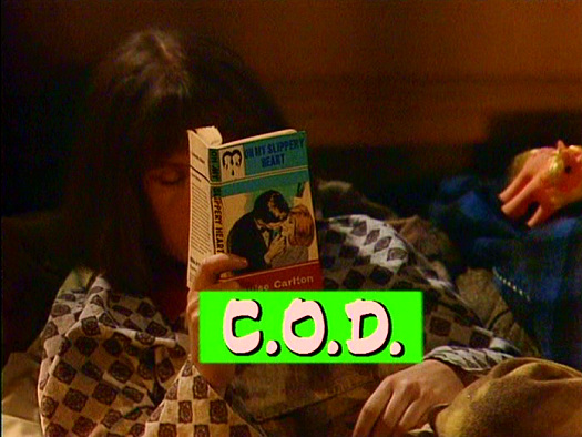 Screenshot from the 'C.O.D.' (1985) episode of Girls on Top (1985-86) (3)