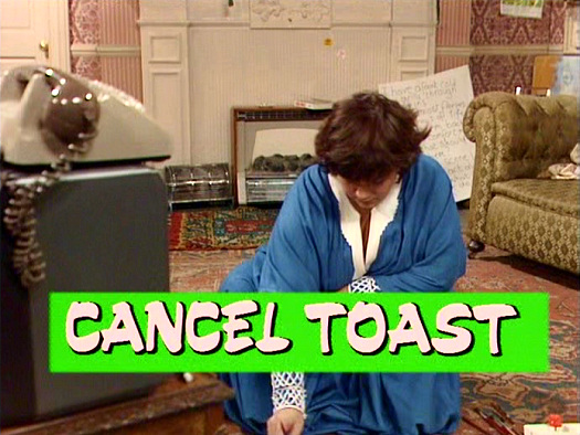 Screenshot from the 'Cancel Toast' (1985) episode of Girls on Top (1985-86) (4)