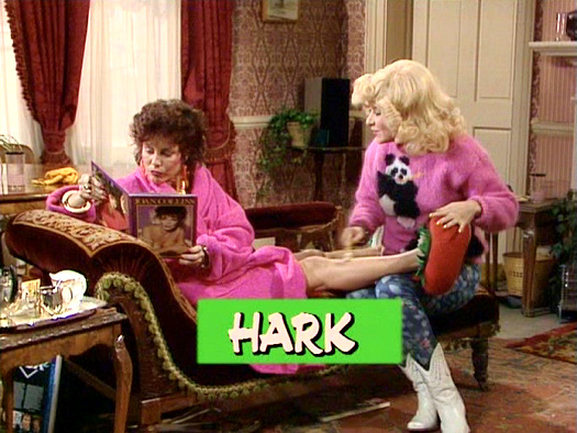 Screenshot from the 'Hark' (1985) episode of Girls on Top (1985-86) (7)