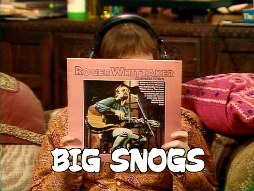 Screenshot from the 'Big Snogs' (1986) episode of Girls on Top (1985-86) (9)