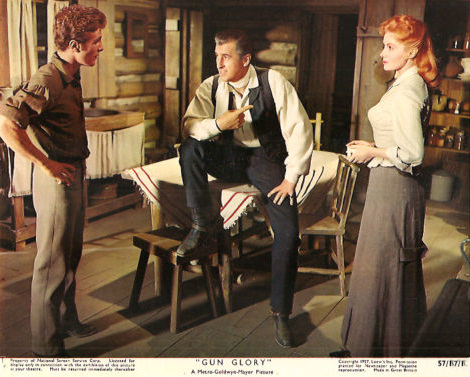 Steve Rowland (as Tom Early, Jr), Stewart Granger (as Tom Early) and Rhonda Fleming (as Jo) in a photograph from Gun Glory (1957) (2)