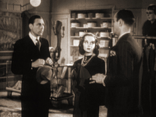 Cyril Chamberlain, Joan Greenwood (as Babe Cavour) and Jonathan Field (as Bob Oliphant) in a screenshot from He Found a Star (1941) (3)