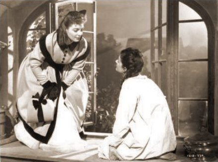 Patricia Roc (as Dilys) and Margaret Lockwood (as Jassy Woodroffe) in a photograph from Jassy (1947) (14)