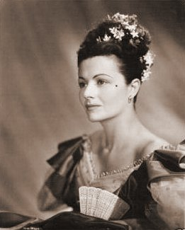 Margaret Lockwood (as Jassy Woodroffe) in a photograph from Jassy (1947) (17)