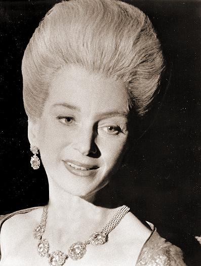 Joan Greenwood (as Lady Bellaston) in a photograph from Tom Jones (1963) (16)