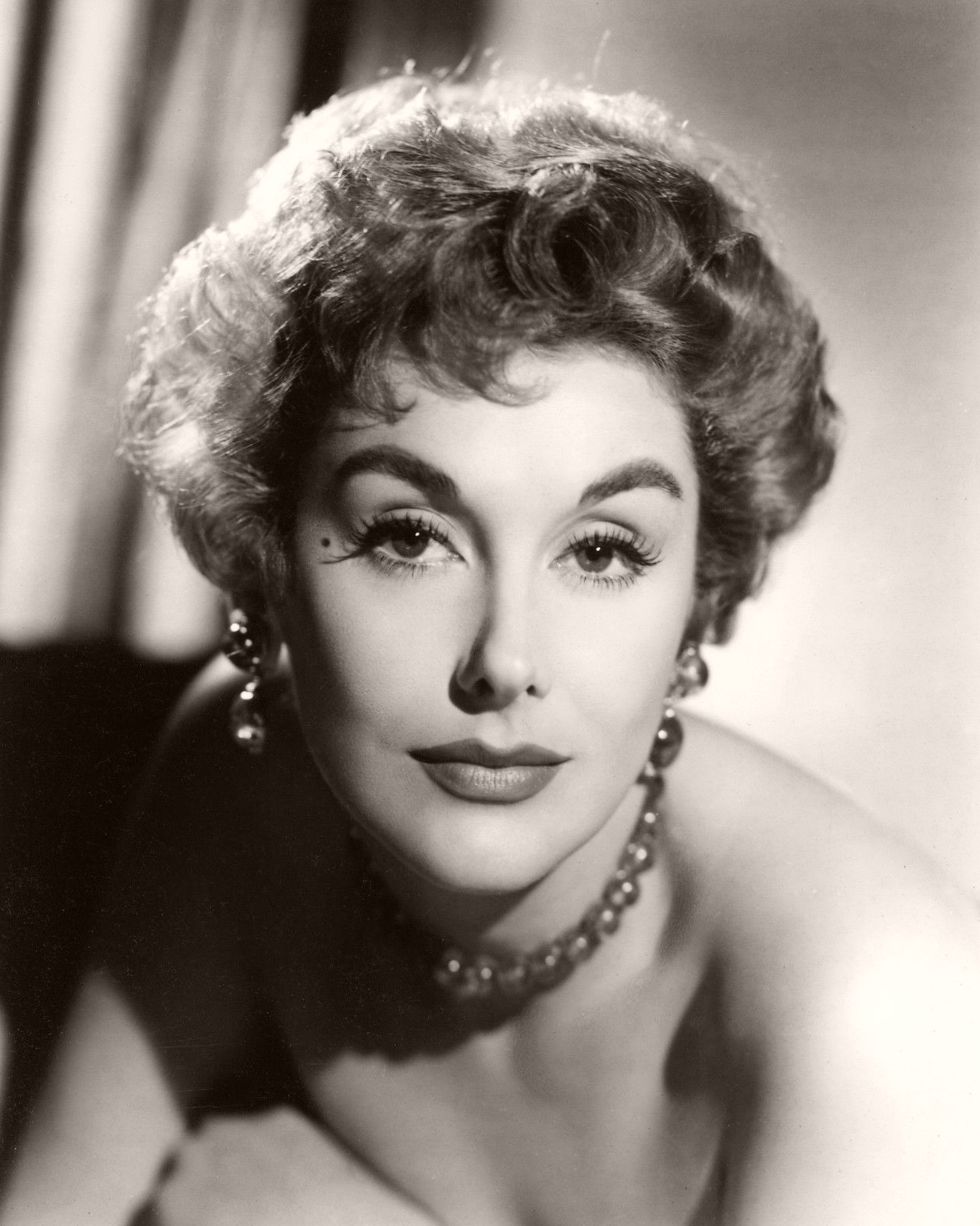 British actress Kay Kendall poses for a 1950s glamour photo