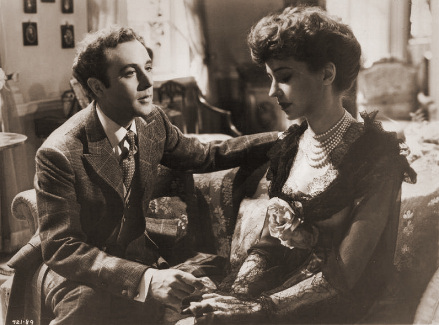 Photograph from Kind Hearts and Coronets (1949) (10)