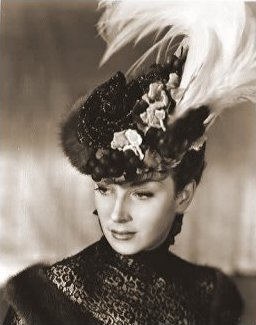 Photograph from Kind Hearts and Coronets (1949) (4)