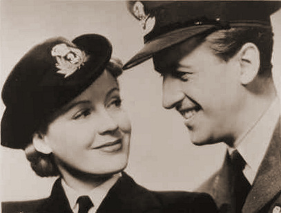 Phyllis Calvert (as Clarissa Richmond) and Stewart Granger (as Peter/Swinton Rokeby) in a photograph from The Man in Grey (1943) (12)