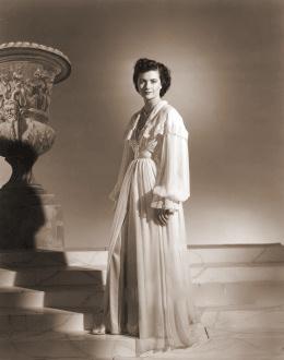 Photograph of Margaret Lockwood (183)