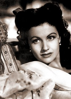 Photograph of Margaret Lockwood (7)