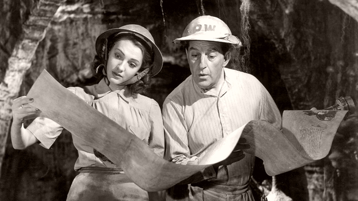 Shirley Pemberton (Barbara Murray) and Arthur Pemberton (Stanley Holloway) in Passport to Pimlico