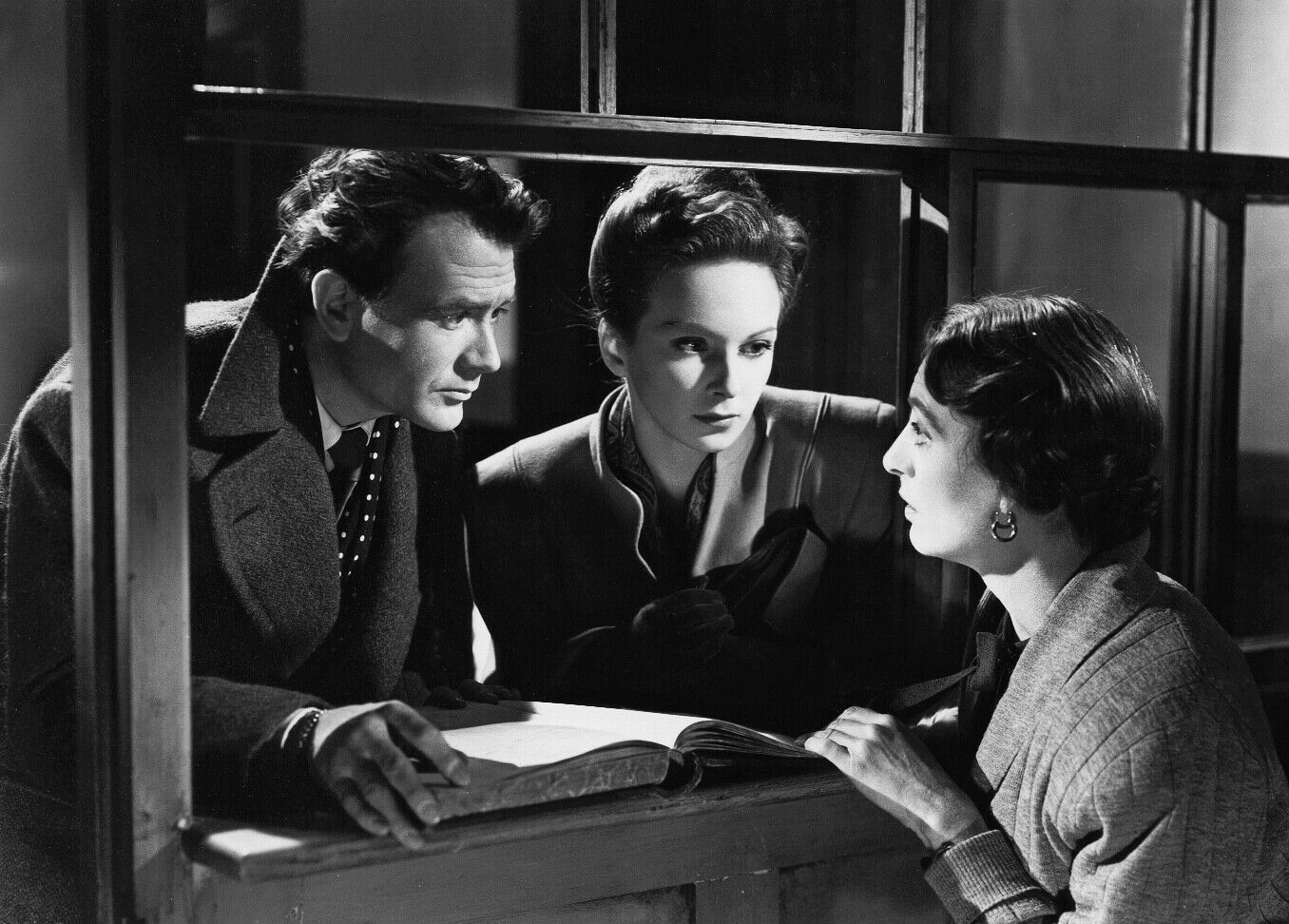 Photograph of The October Man (1947) (7) featuring Joan Greenwood, John Mills, Catherine Lacey