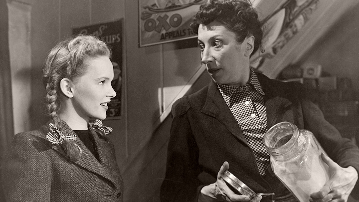Sarah Willoughby (Peggy Cummins) in Welcome, Mr Washington (1944)