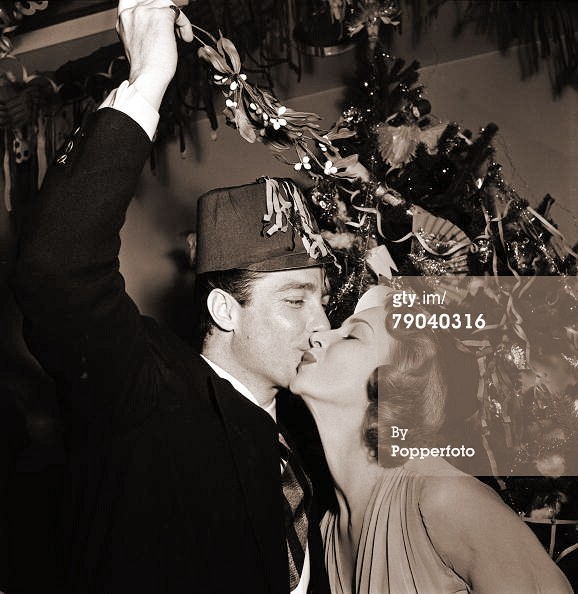 Photograph of Joan Greenwood and Richard Todd (65)