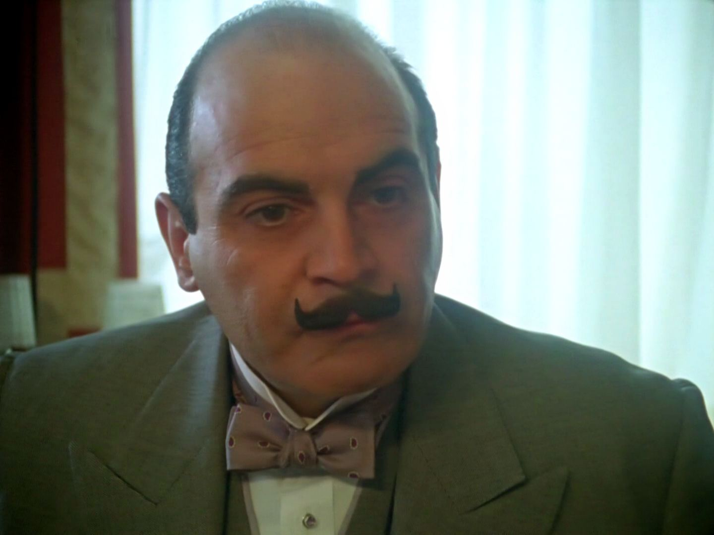 Screenshot from the 1991 'The Plymouth Express' episode of Poirot (1989-2013) (2) featuring David Suchet