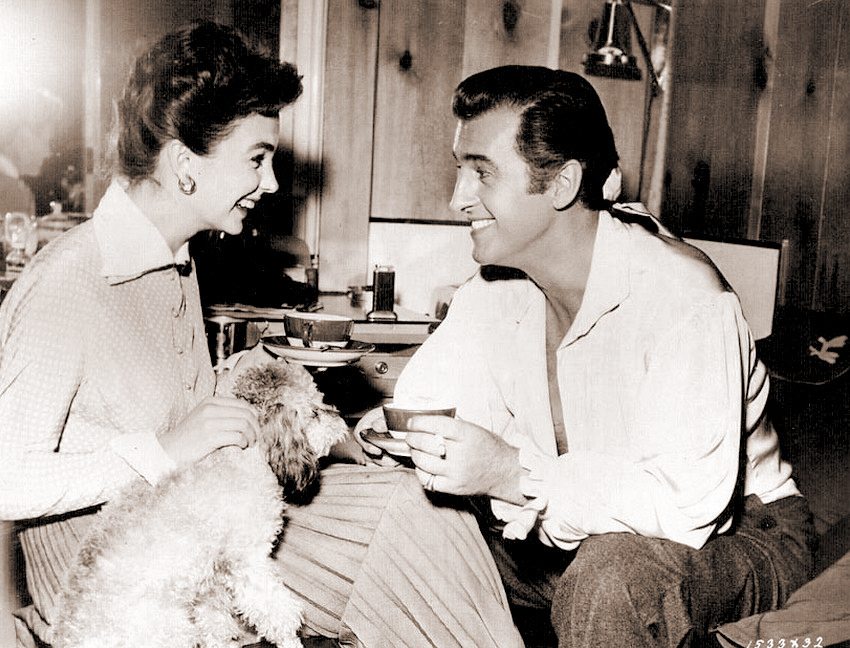 Jean Simmons and Stewart Granger enjoy themselves while he takes a break from filming Scaramouche