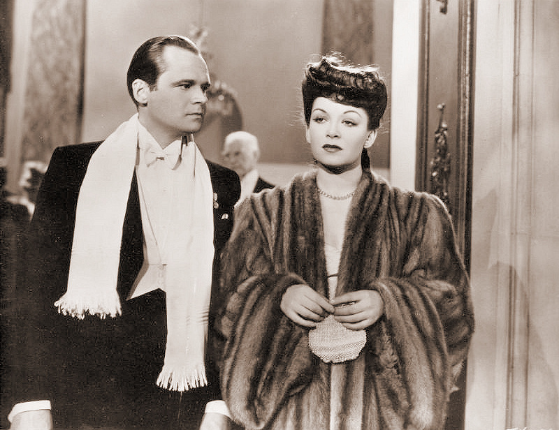 Alan Wheatley (as Karl / Charles Poole) and Jean Kent (as Valya) in a photograph from Sleeping Car to Trieste (1948) (4)