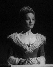 Linden Travers (as Augusta Leigh) in a screenshot from The Bad Lord Byron (1948) (3)