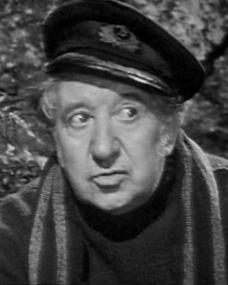 Will Fyffe (as Aeneas McGrath) in a screenshot from The Brothers (1947) (2)
