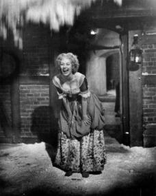 Photograph from Cardboard Cavalier (1949) (6)