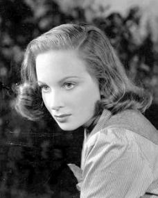 Photograph of Joan Greenwood (18)