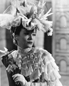 Photograph from Kind Hearts and Coronets (1949) (3)