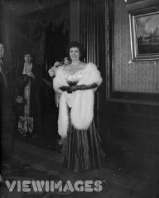 Margaret Lockwood at the Empire Theatre, London, for the Royal Command Film Performance of 'Scott of the Antarctic' on 30th November 1948