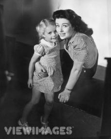 Photograph of Margaret Lockwood and Julia Lockwood (109)