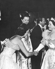 Photo of Joan Bennett and Margaret Lockwood