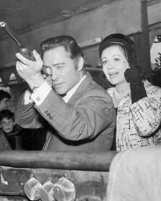 Photo of Richard Todd and Margaret Lockwood