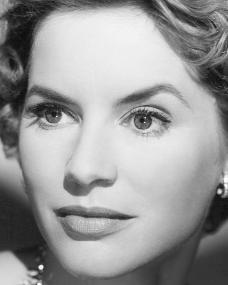 Photograph of British actress, Muriel Pavlow