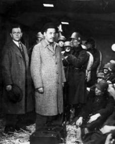 Naunton Wayne (as Caldicott) and Basil Radford (as Charters) in a photograph from Night Train to Munich (1940) (7)