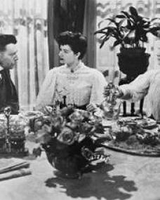 James Mason (as Mr. Smedhurst), Margaret Lockwood (as Annette) and Barbara Mullen (as Mrs Smedhurst) in a photograph from A Place of One's Own (1945) (3)