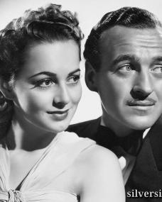 David Niven as Raffles, and Olivia de Havilland as Gwen, in a promotional shot for Raffles (1939)