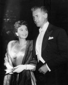 Jean Simmons and Stewart Granger in evening formal wear