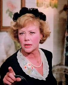Screenshot from the 1985 'Sing a Song of Murder' episode of Murder, She Wrote (1984-1996) (1) featuring Glynis Johns