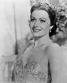 Margaret Lockwood wears a tiara
