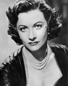 Margaret Lockwood (as Margaret Manderson) in a photograph from Trent's Last Case (1952) (1)