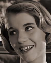 Screenshot from Please Turn Over (1959) (1) featuring Julia Lockwood
